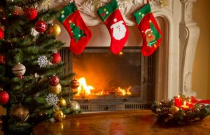 Fireplace Decorations for Holiday Season